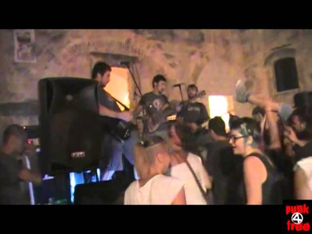 Hobophobic - Live At ARCI Labirinto (Massafra, TA, 08.08.2013)
