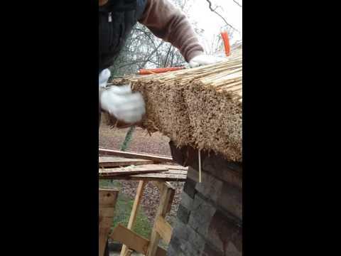 Крыша из соломы своими руками видео