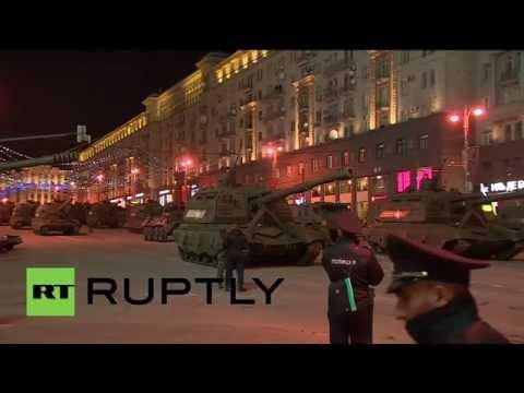Проезд военной техники по Тверской улице