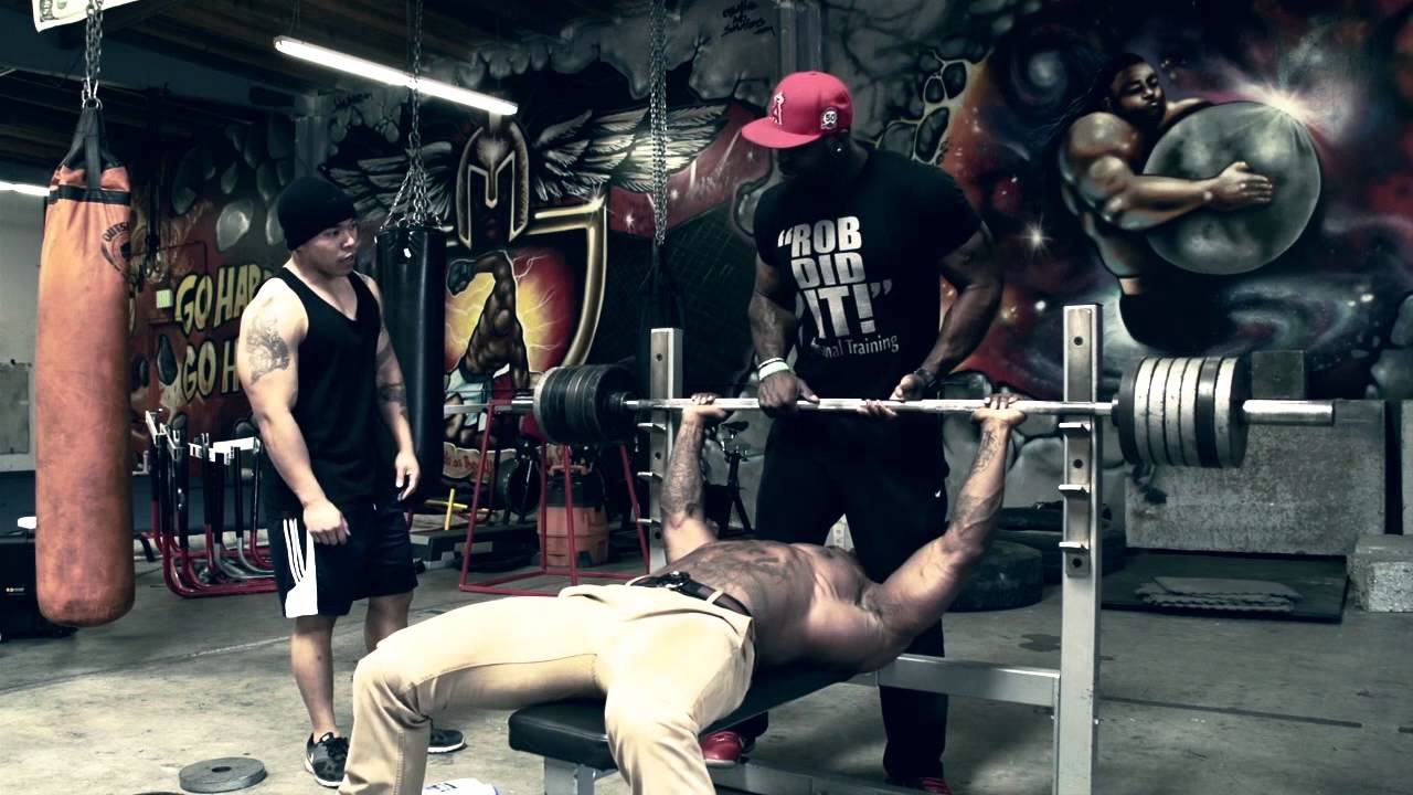 Video Bench Part - 50: Mike Rashid- Uncut 200 Repetitions Video With CT Fletcher - YouTube