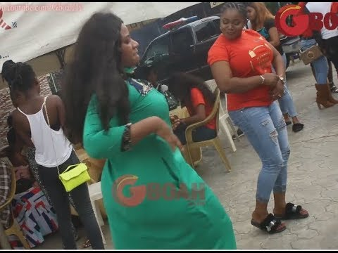 Yoruba Actress With The Biggest Ukwu,Mercy Aigbe Dances Shaku Shaku At The Opening Of Her Boutique