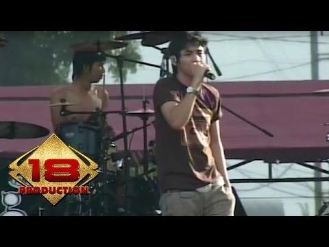 Ungu - Berikan Aku Cinta  (Live Konser Bengkulu 9 Maret 2007)