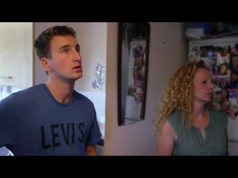 The importance of education - S1 E1 clip | Rich House, Poor House | Channel 5