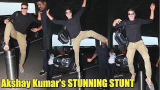 Video Akshay Kumar Pulls Off A STUNNING STUNT At Mumbai Airport | Akshay Kumar Stunts download MP3, 3GP, MP4, WEBM, AVI, FLV Juli 2018