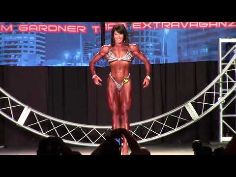 2016 Tampa Pro single presentation at the night show with Jennifer Taylor IFBBPRO