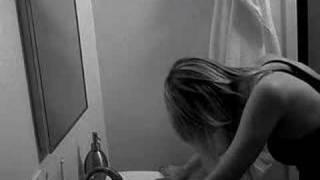 Смотреть клип Juliet Simms - Hush