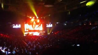 "Scotty McCreery ""Baby Lock Them Doors"" live @ Times Union C"