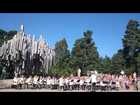 Finnish army band at the Sibelius monument 1