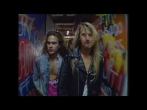 Alice In Chains Behind The Band  Off Stage footage With Interviews