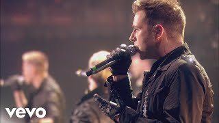 Westlife - When You're Looking Like That (Live from The O2)