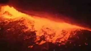 Kilauea Volcano Erupts - Dramatic Video