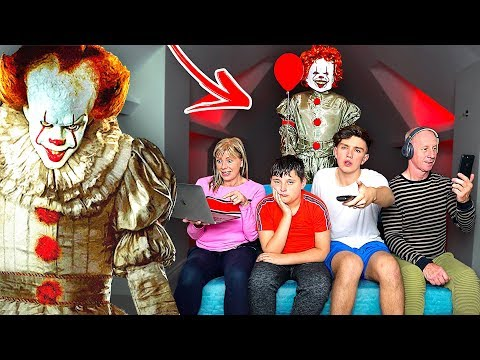 """IT"" CREEPY CLOWN PRANK ON FAMILY!"