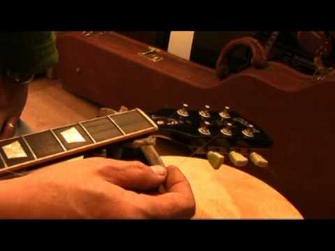 GuitarClinic การใส่สายกีตาร์