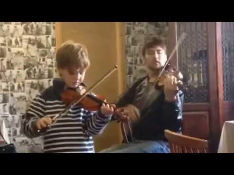 Fiddle workshops UK.  Strings for All violin/fiddle/cello workshops UK.