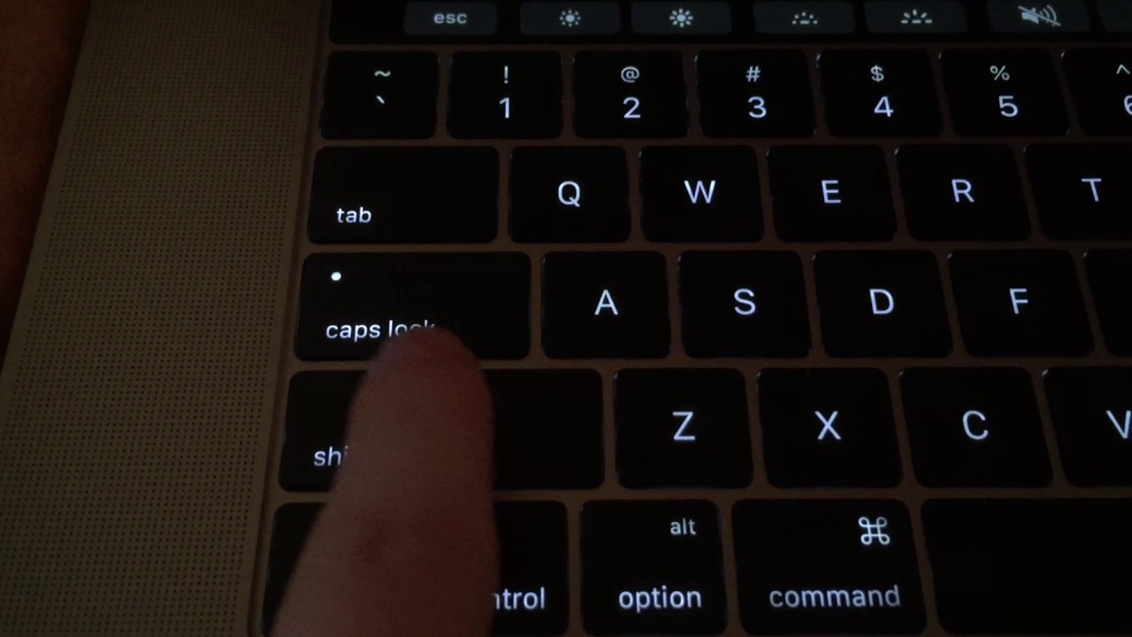Some 2016 MacBook Pro Owners Experiencing Keyboard Problems - MacRumors
