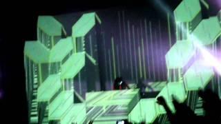 skrillex live opening breakn a sweat