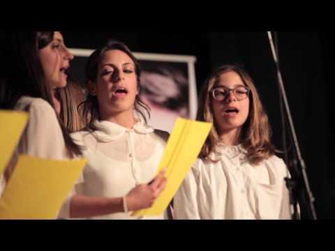 Il Coro della Madonna delle Grazie (coro parrocchiale di Lacco Ameno) – Abbracciami RNS