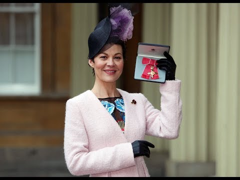 Helen McCrory on what it was like to receive an OBE from The Queen