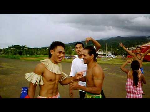 """Robert y Albert En la tahití al """"Magic Circus Of Samoa"""""""