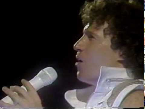 Andy Gibb - An Everlasting Love (1984 Live In Chile - Part I - 12)