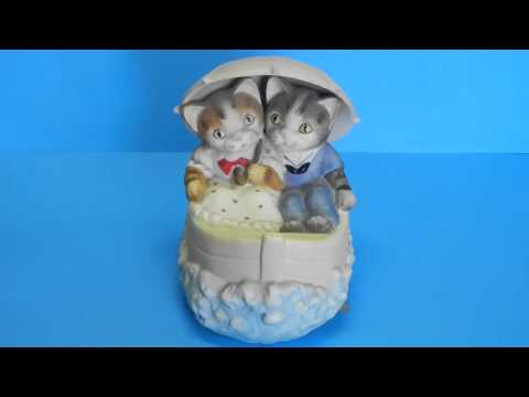 Mann Cats in a Boat Musical Rocking Figurine