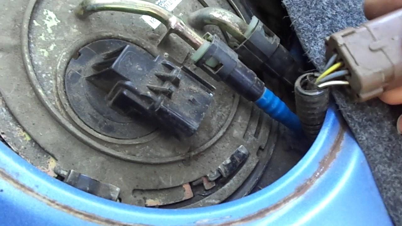 Проверка контрольной лампы ДОТ датчика остаточного уровня топлива  Проверка контрольной лампы ДОТ датчика остаточного уровня топлива Сенс Ланос
