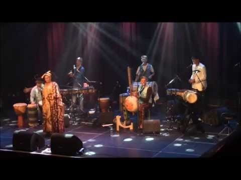 Music from Guinée and Mali by Mokumfoli (kora, balafon, percussion, voice and dance)