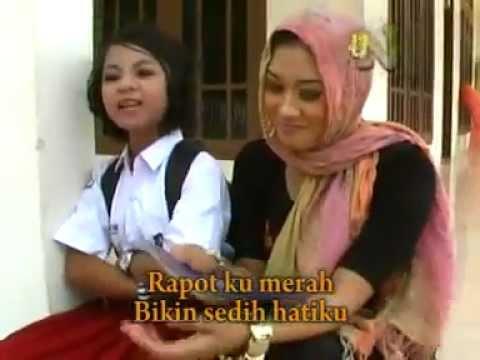 Nikmatus Sholihah   Siti Maimunah - Rapot Merah-by Nasiruddin - YouTube.flv