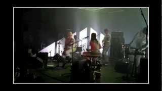 Charlotte Gainsbourg Feat. Connan Mockasin - La Cigale - Greenwich Mean Time