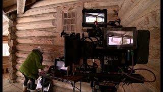Смотреть сериал Столичная кинокомпания снимает документальный сериал в декорациях Великого Новгорода и окрестностей онлайн