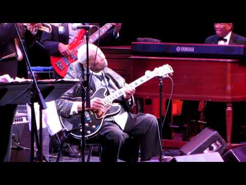 BB KING ~ NORTH SHORE MUSIC THEATRE SEPT. 1 2011