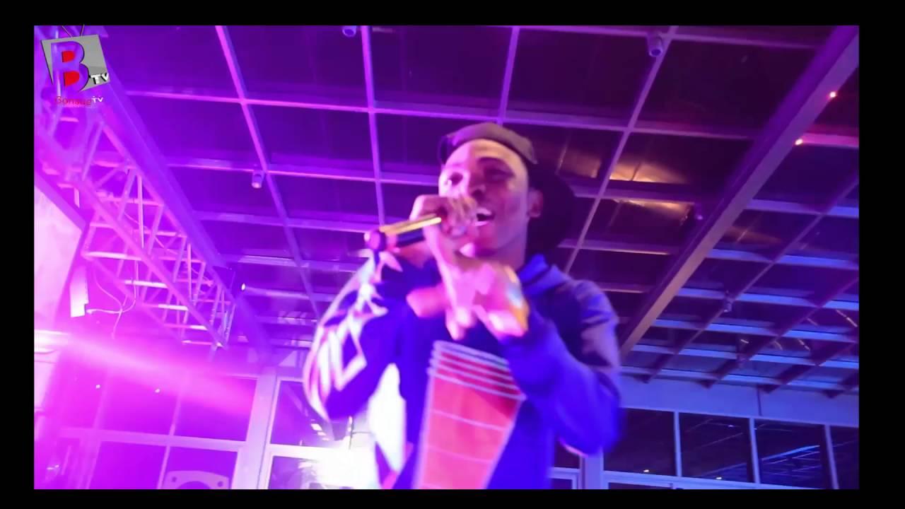 Download Video: Watch MAYORKUN's Performance at the one of a kind URBAN RADIO Luanch Lagos #BonsueTV