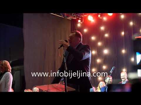 Milorad Dodik zapjevao na centralnoj tribini u Bijeljini