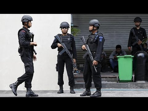 Indonesia beefs up police presence after Jakarta blasts