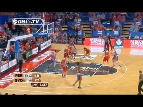 Damian Martin dunk - Tyrone Thwaites commentary