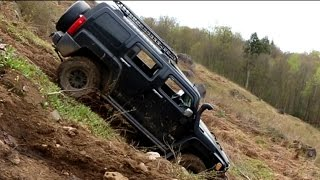 Hummer H3 Downhill Off-Road in Quebec Offroad Event
