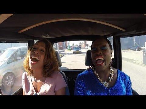 Carpool karaoke met Judeska! - DINO.