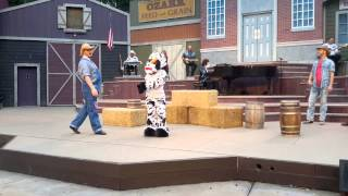 Great American Country Live How do you milk a Cow?