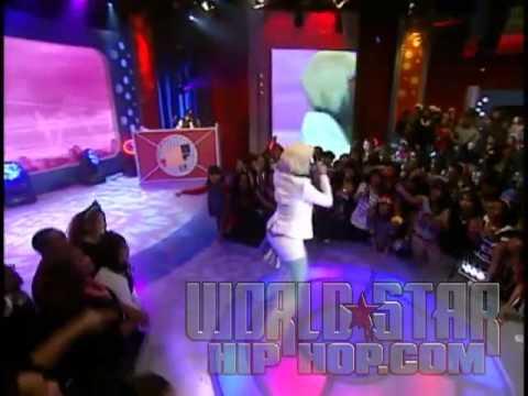 Nicki Minaj - Did It On Em & Moment 4 Life (Live) With  Drake On BET's 106