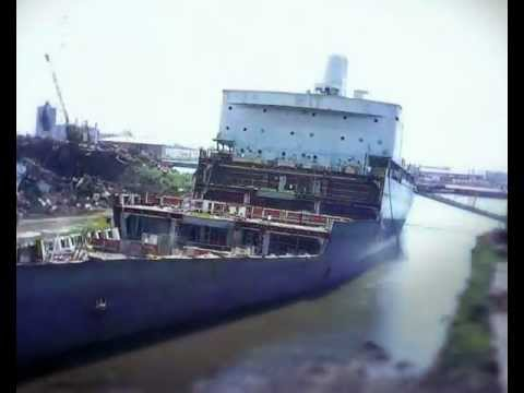 Ship recycling at EMR Florida Avenue in New Orleans, Louisiana