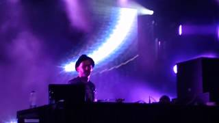 A-Trak - Heads Will Roll LIVE (Bluesfest Ottawa - 2012)