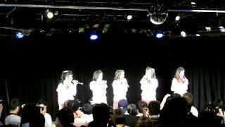 2014年4月29日、ことにパトスで開催されたミルクスの『ミルクスフリーライブ「トレンディバブル魅流駆好〜ランバダまだか?〜」』です。 3曲目終わりのMCその1.