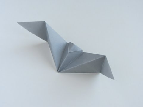 Origami Simple Bat | Halloween origami, Origami crafts, Origami easy | 360x480