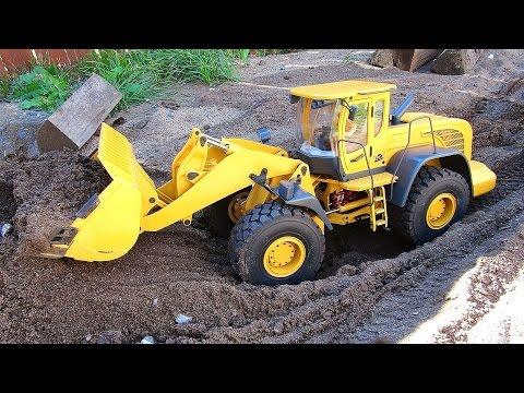 RC ADVENTURES - 1/14 Scale Earth Mover 870K Hydraulic Wheel Loader - Backyard Fun