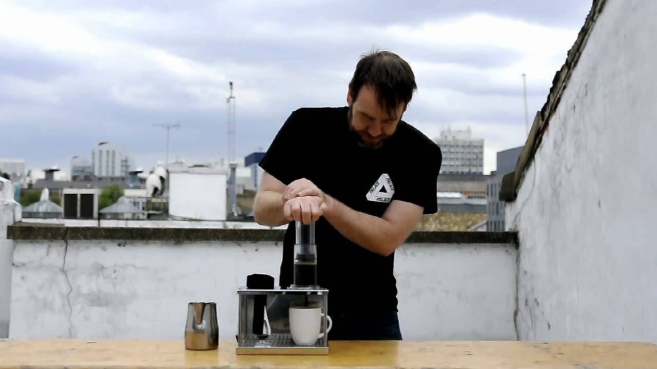 Gwilym Davies Demonstrating The Aeropress Coffee Maker Youtube