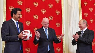 Átadta Oroszország a VB rendezést Katarnak