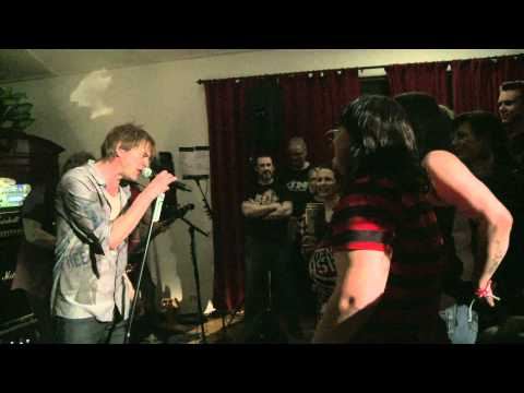 Die Toten Hosen: Tag 4 - Selfoss/Island - Magical-Mystery-Tour 2012 / Das Videotagebuch