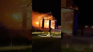 Pożar stodoły w Turzy Śląskiej ,dojazd jednostek na miejsce ,akcja gaśnicza
