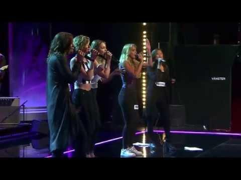 Aniela, Julia, Linnea, Agnes och Ebba i gruppmomentet av Idols slutaudition  - Idol Sverige (TV4)