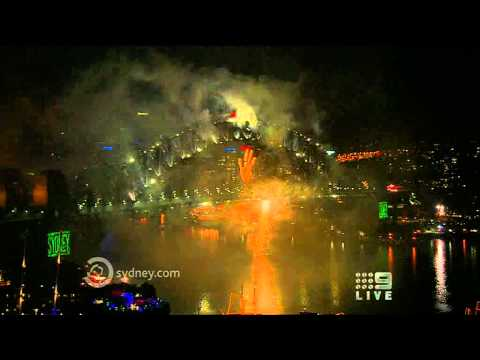 Sydney - New Year's Midnight Fireworks 2011 - High Quality - Full 12 Min Show